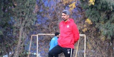 Altay'da teknik direktör Taşdemir iddialı