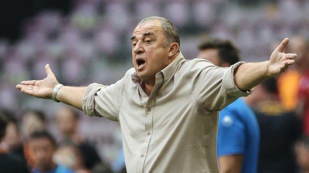 Galatasaray'da taşlar yerinden oynuyor! Tam 4 yıldız kulübeye