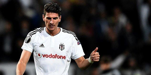 Beşiktaş'ın eski golcüsü Mario Gomez futbolu bırakıyor! - Futbol -
