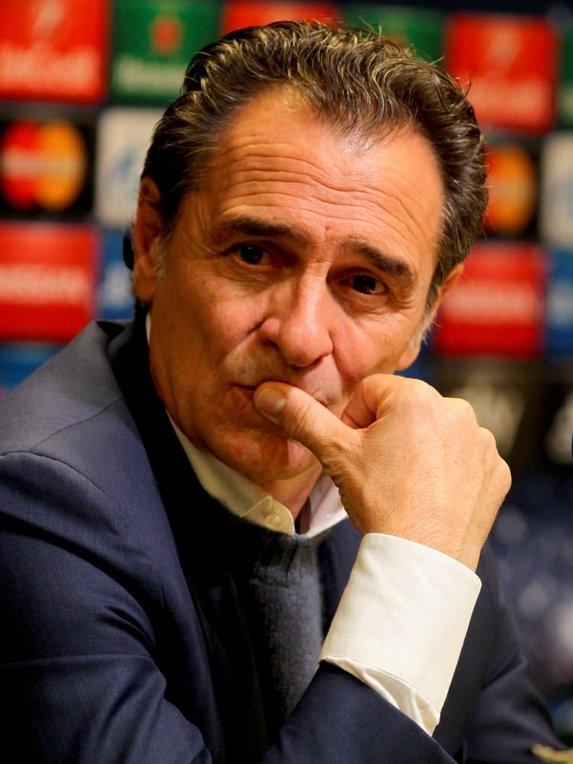 Prandelli'nin istifası sonrası sosyal medya yıkıldı...