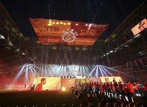 Galatasaraylı oyuncular bu şarkılarla sahneye çıktı