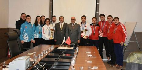 """""""Süper"""" judocular Başkan Eşkinat ile buluştu"""