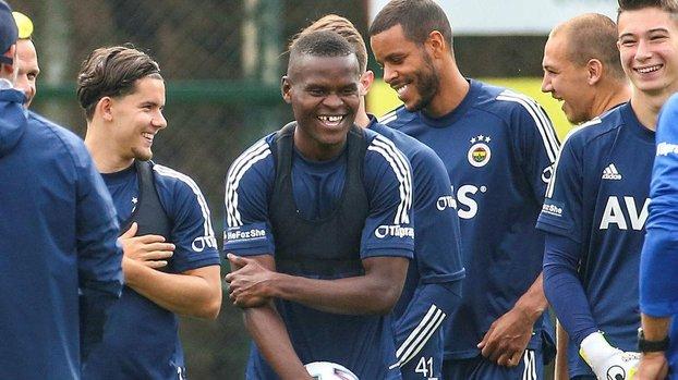 Fenerbahçe yeni transferi Mbwana Samatta'nın lisansını çıkardı! #