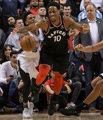 Raptors, Spurs'ü devirdi