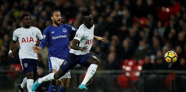 Cenk Tosun'un ilk maçında Everton kaybetti