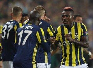Fenerbahçe-Feyenoord caps'leri