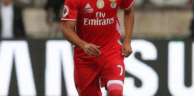 Galatasaray'a Mitroglou'dan sonra bir Yunan daha! Benfica'dan Andreas Samaris...