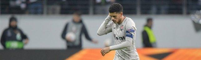 Yıldız futbolcuya ırkçı saldırı! Sahayı gözyaşları ile terketti