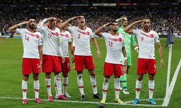 UEFA'ya inat asker selamı
