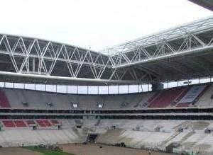 TT Arena'ya çimler serilmeye başlandı