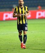 Fenerbahçeli yıldız Galatasaray'a imza attı!