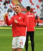 Podolski'ye sürpriz talip! Menajerden açıklama geldi