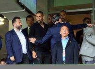 Islam Slimani Fenerbahçe tribünlerinde!