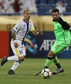 El-Gharafa Sneijder'le kazandı