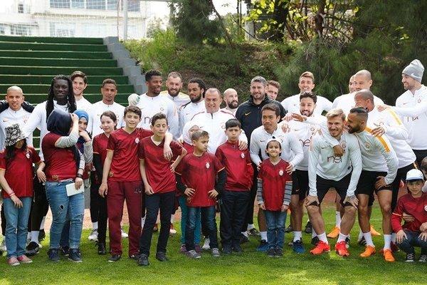 Galatasaray antrenmanına sürpriz konuk
