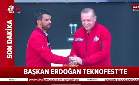 Kenan Sofuoğlu'na ödülü Başkan Erdoğan verdi