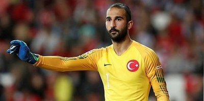 Galatasaray'ın kale için iki seçeneği var: Onur Kıvrak ya da Volkan Babacan