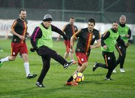 G.Saray teknik heyeti ile basın mensupları maç yaptı