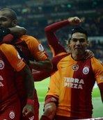 Galatasaray'ın Alanyaspor maç kafilesinde Falcao şoku!