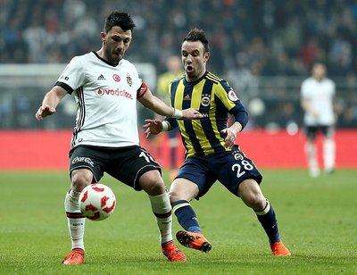Tolgay Arslandan Fenerbahçelileri heyecanlandıran hareket