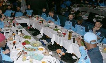 Trabzonspor'da yönetim futbol takımıyla yemekte buluştu