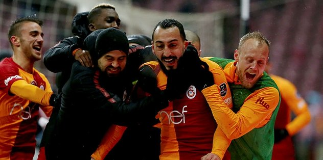Mitroglou'dan Fatih Terim'e övgü dolu sözler