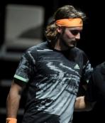 Federer'i eleyen Tsitsipas finalde!