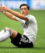 Mesut Özil Almanları ikiye böldü