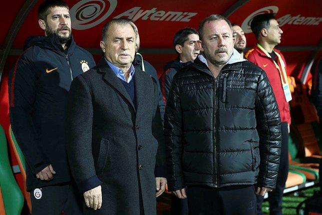 Sergen Yalçın: Ozan'ı tekrar futbolcu olduğuna biraz daha ikna etmeye çalışıyoruz