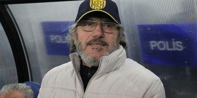 Ankaragücü Teknik Direktörü Mustafa Reşit Akçay. Oynamak istemeyen oyuncularımız var
