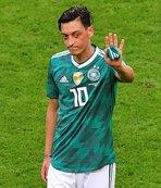 Takım arkadaşından Mesut Özil'e destek