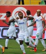 Vagner Love 2 golle yıldızlaştı