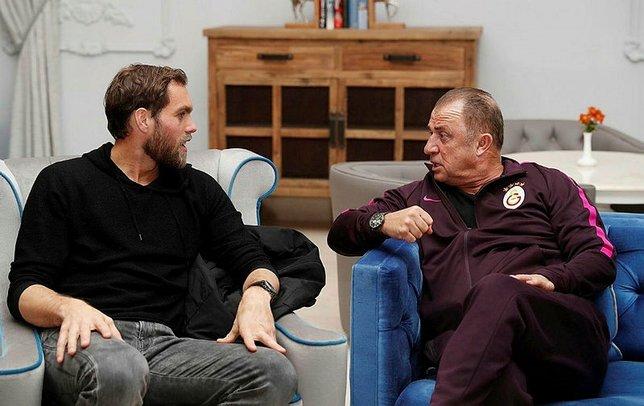 Elmander Galatasaray için Standard Liegeden Renaud Emondu izledi