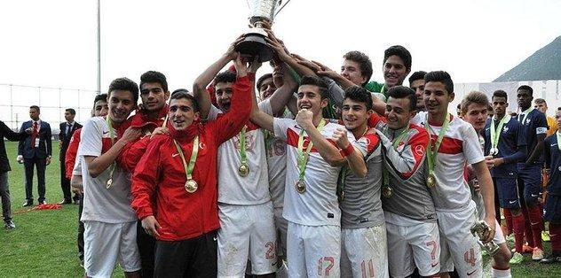 Genç Milliler Polonya'yı mağlup etti