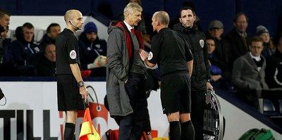Wenger'e 3 maç ceza