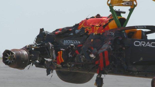 Son dakika spor haberleri | Formula 1'de Hamilton ile çarpışan Verstappen yarış dışı kaldı!
