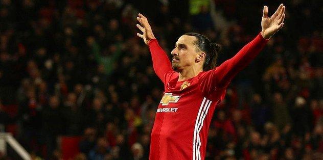 Manchester United Bilic'i üzdü