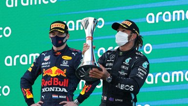 Formula 1 İspanya etabında kazanan Lewis Hamilton!