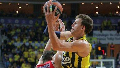 Müsabaka görevlisine hakaret eden Fenerbahçeli Vesely'nin cezası belli oldu!