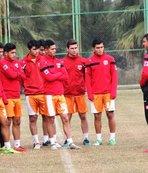 Adanaspor, gençleri ile hazırlık maçı yaptı