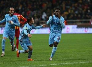 Trabzonsporlu Ekuban gözyaşlarını tutamadı