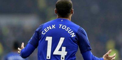 Evertonlılar Cenk'in babasını trübünde yakaladı!