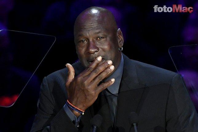 Kobe Bryann için düzenlenen anma törenine Michael Jordan damga vurdu. İşte o kareler...