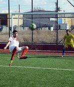 Balona röveşata yapan genç ilk maçında 2 gol attı