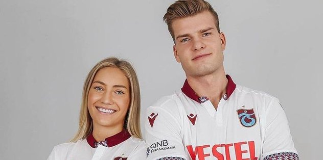 Sörloth ve sevgilisi Lena Selnes Trabzonspor'un yeni formalarıyla poz verdi!