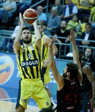 Fenerbahçe Doğuş farklı kazandı