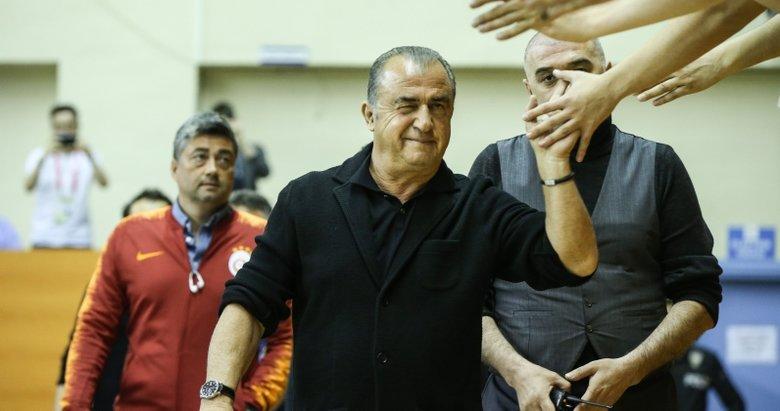 Galatasaray'dan Fatih Terim'e tarihi imza töreni!