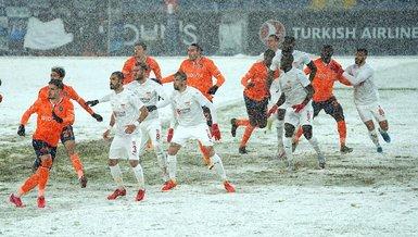 On snow-covered field, Basaksehir draw with Sivasspor