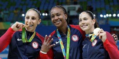Taurasi WNBA tarihine geçti