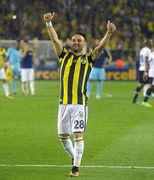 Fenerbahçe derbide farkı azaltmak istiyor
